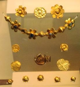 Gold items found at the Bodh Gaya temple, Bihar