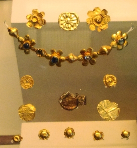 Gold items found at the Bodh Gaya temple, Bihar