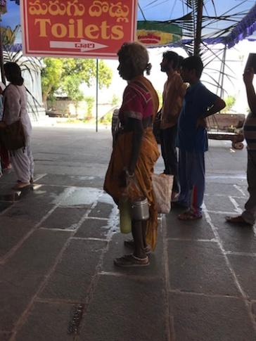 Poor devotee - not mainstream enough? Amareshwara Temple, Amaravati, Andhra Pradesh