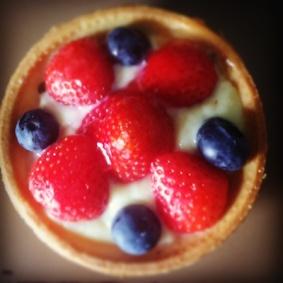 A fresh fruit tart <3