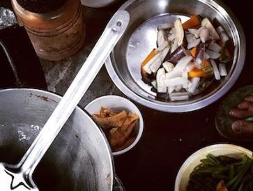 Neatly chopped veggies, ultra clean utensils @pavement