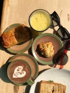 Peaceful New Year breakfast @Auroville